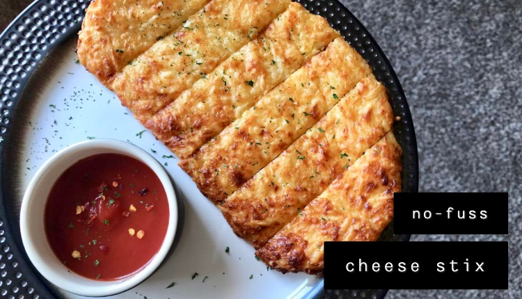 keto no-fuss cheese stix